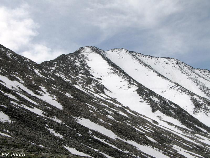 Вид на перевал Горных Духов и пик 3037 м