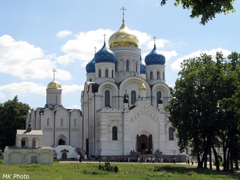 Праздник Троицы в монастыре