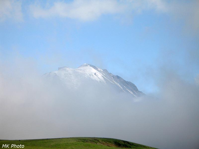 Облака, укрывающие горы