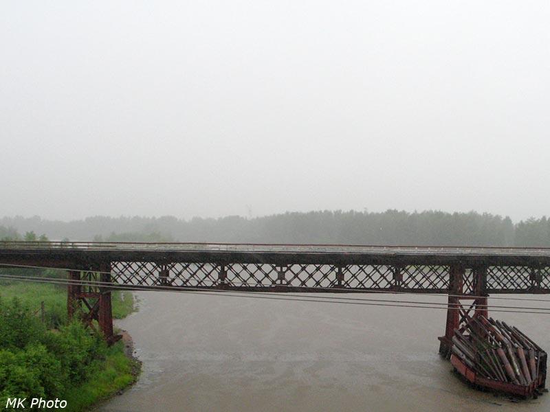 Автомобильный мост через р. Бысса