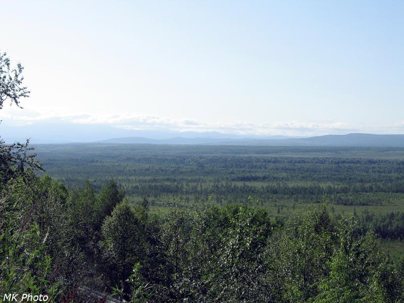 Вдали - Буреинский хребет