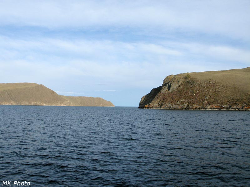Вид с парома в сторону большого Байкала