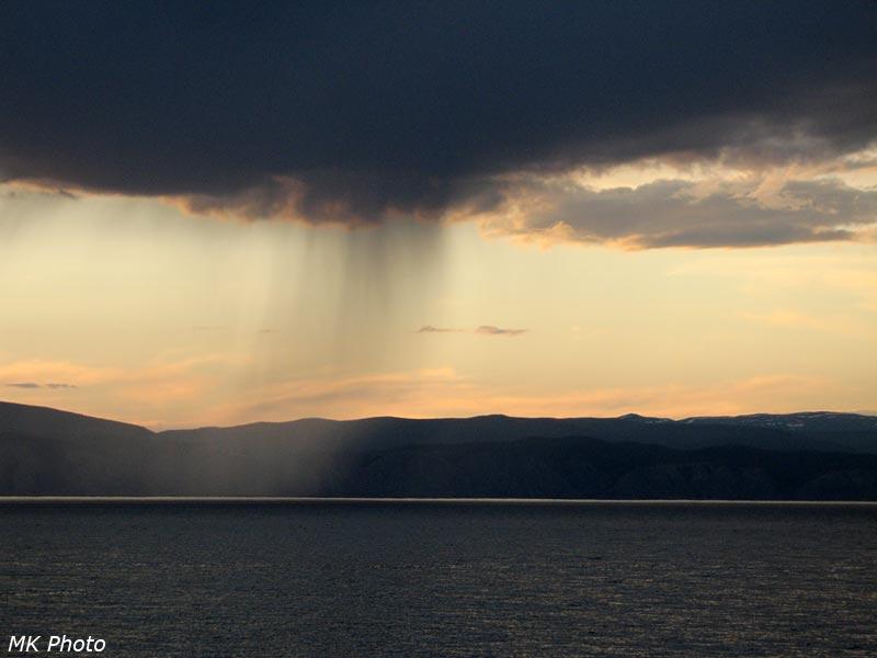 Дождь над побережьем