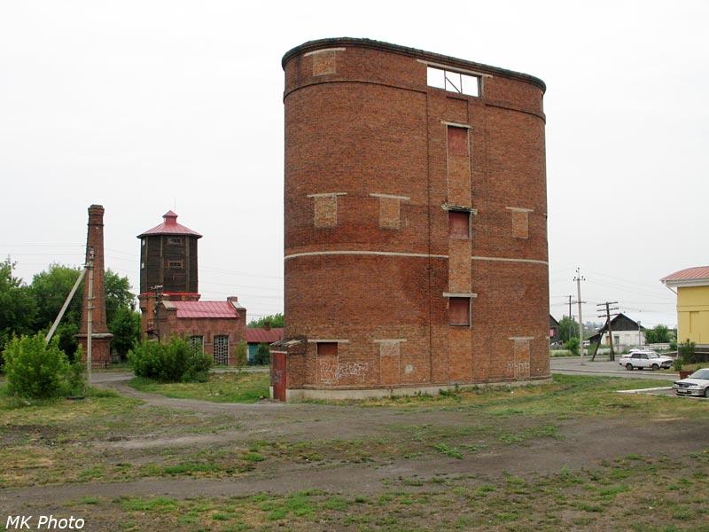 Водонапорные башня на ст. Каргат