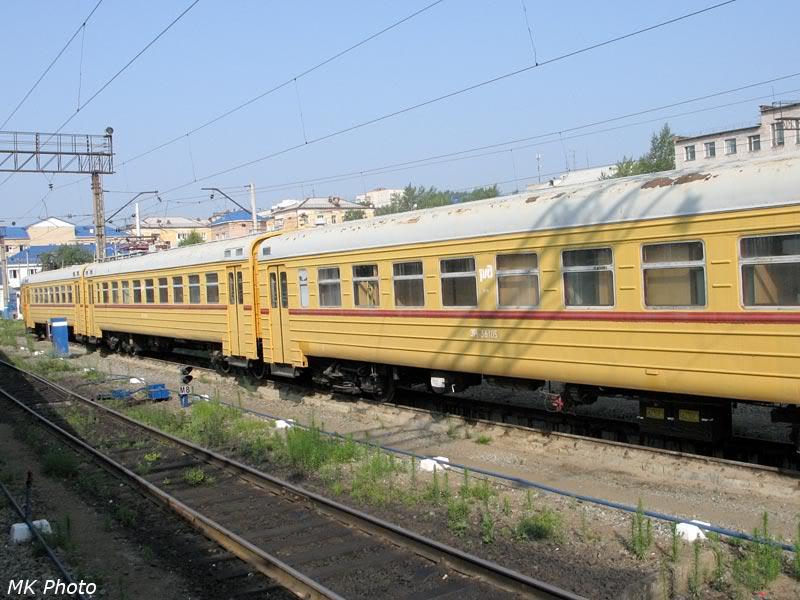 Жёлтый электропоезд ЭР2