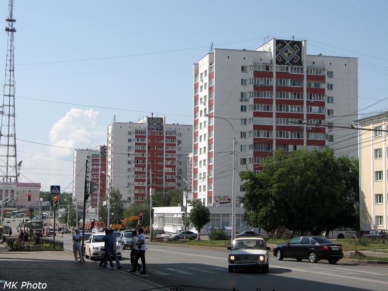 Дома с орнаментом на ул. Заки Валиди