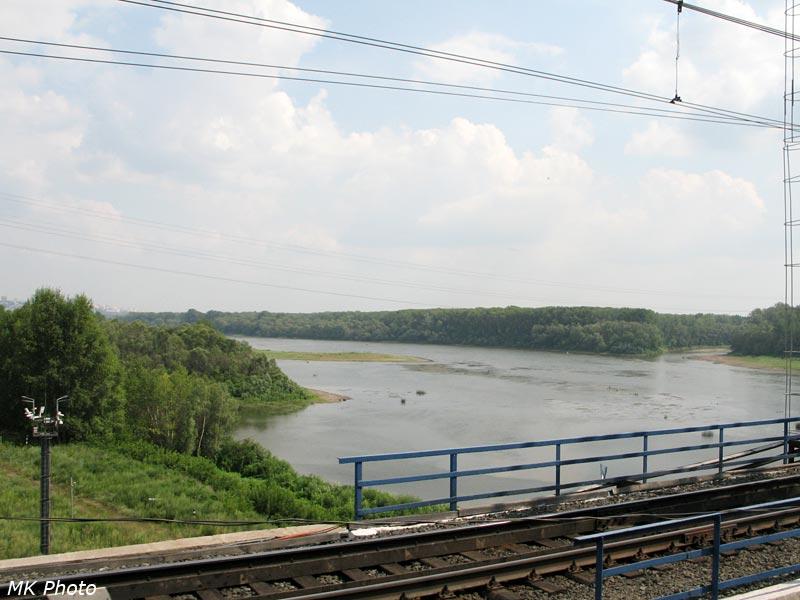Вид на р. Белая с подхода к мосту