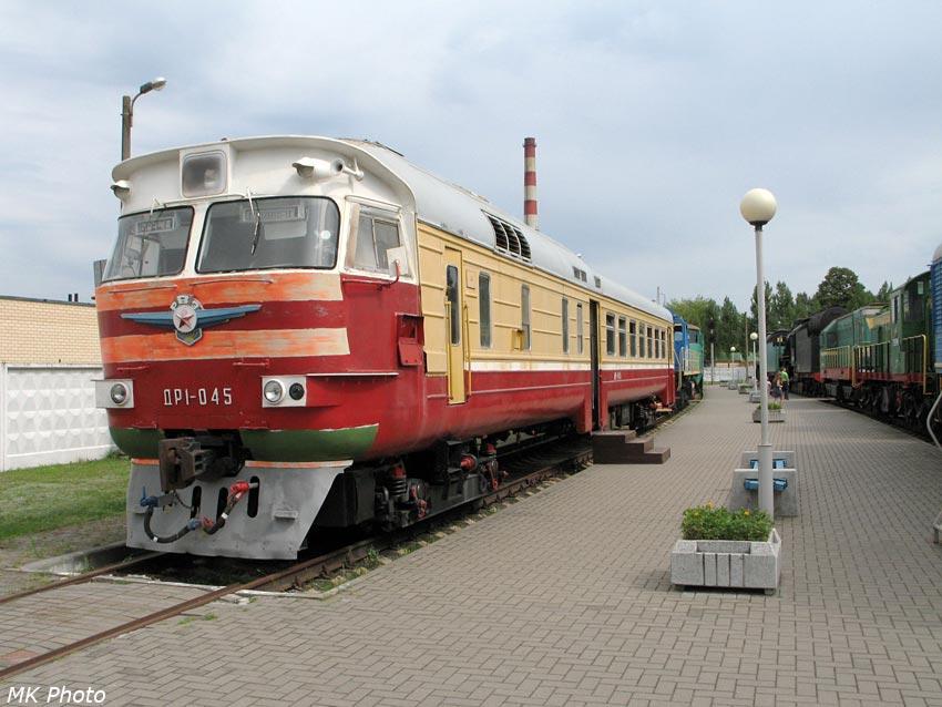 Дизель-поезд ДР1