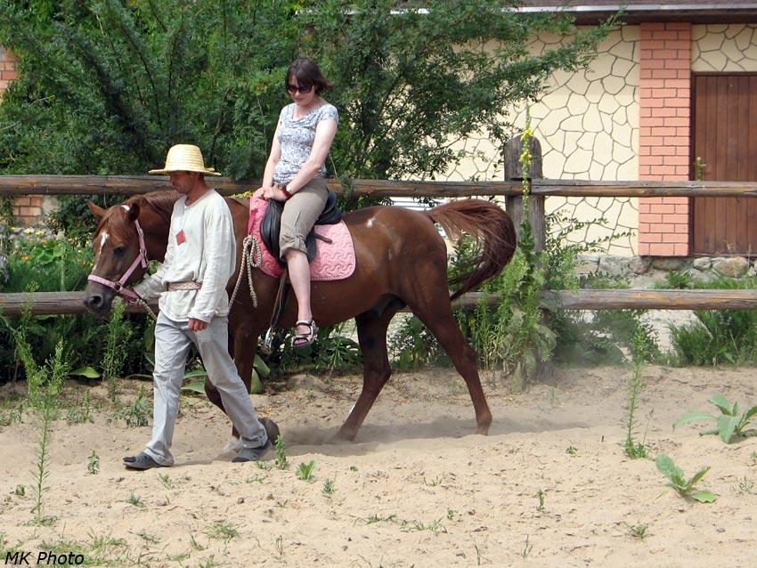 Мама на лошади