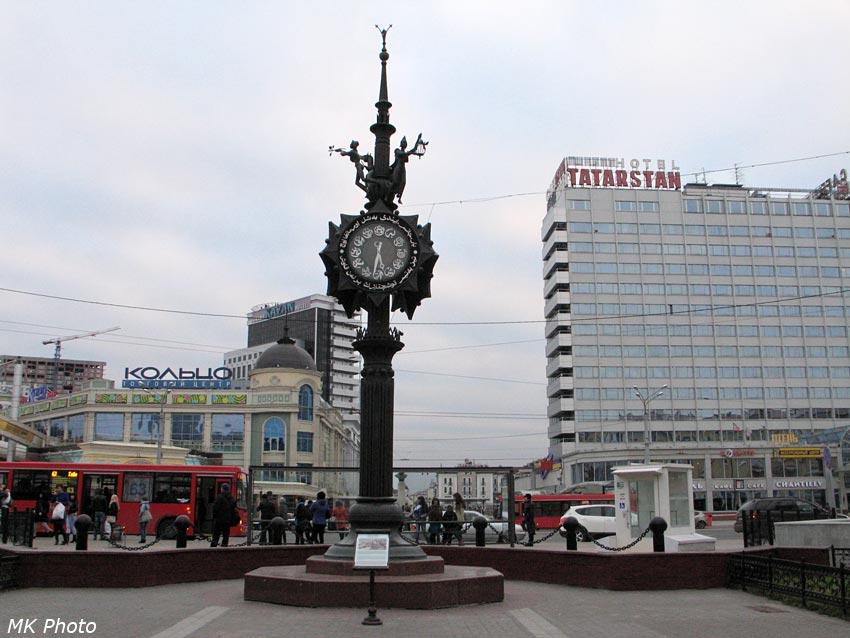 Часы на площади Тукая