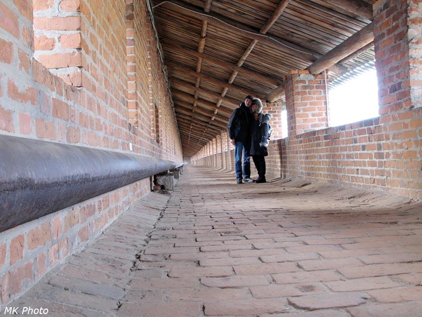 Длинный прямой участок стены