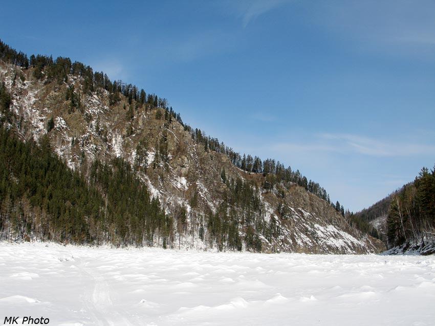 Скалистые склоны Иркута