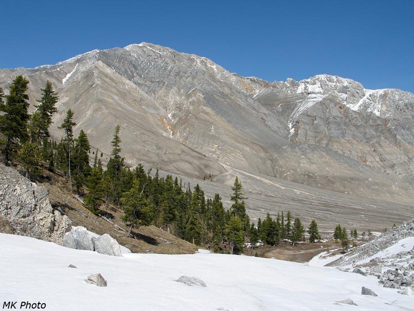 Горы по левому борту безымянного ручья