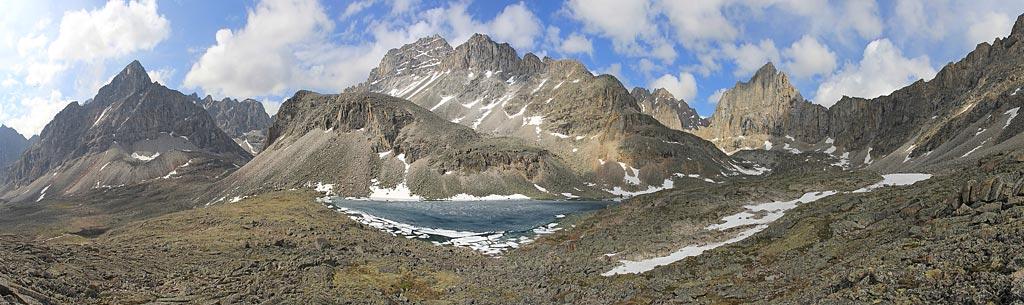 Панорама ледяного озера