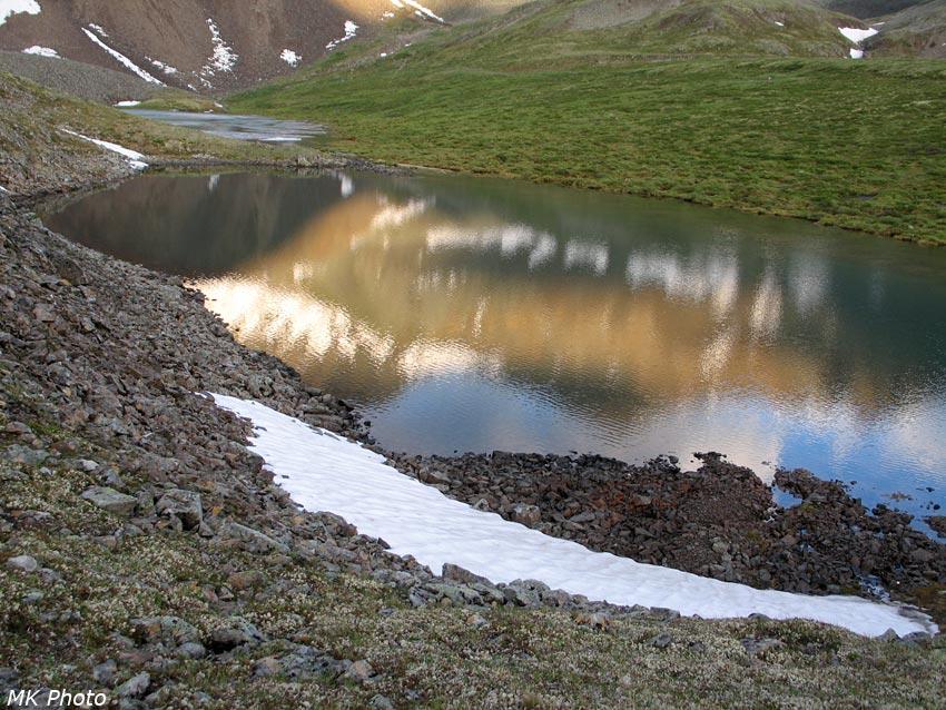 Отражение перевал в оз. Ногон-Нур