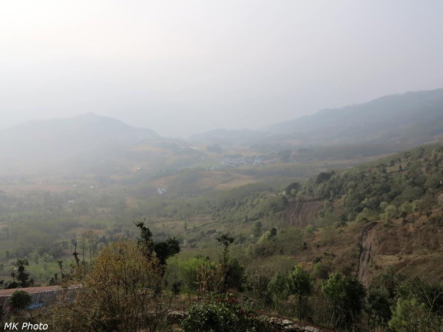 Посёлок Бамти в дымке