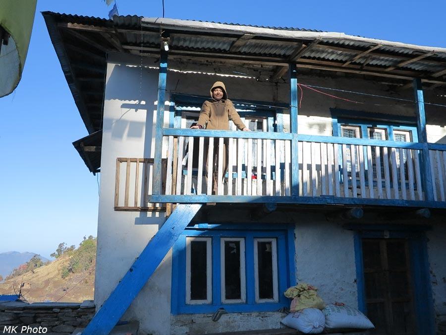 Катя на балкончике