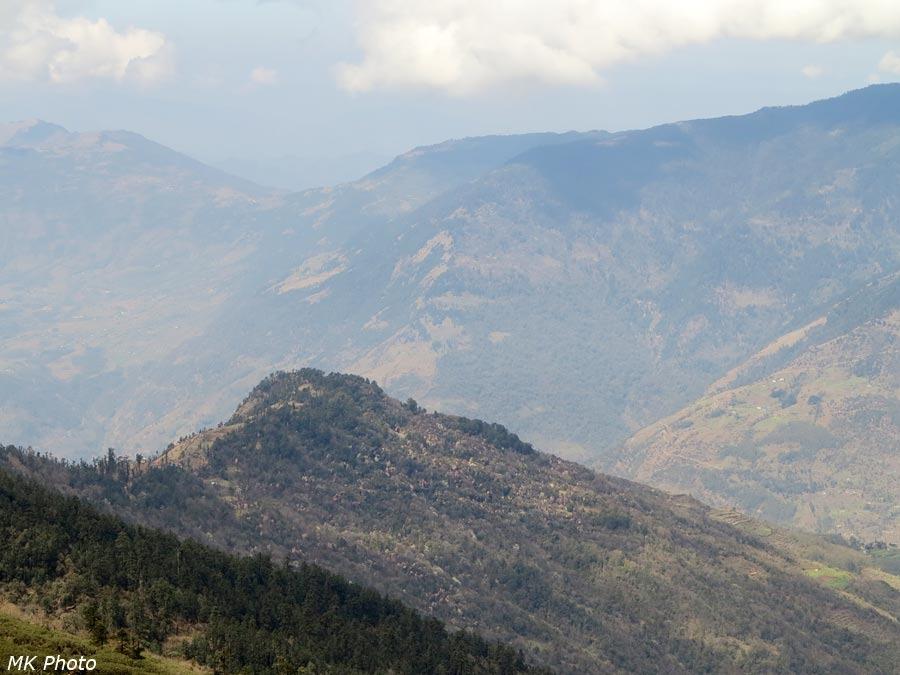 Вид с перевала на запад