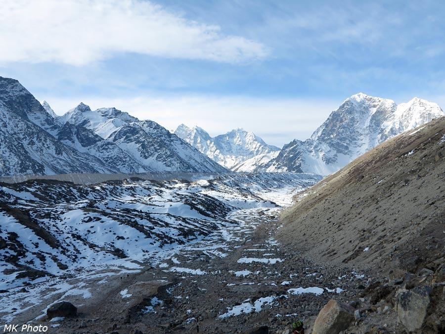 Тропа вдоль ледника Кхумбу