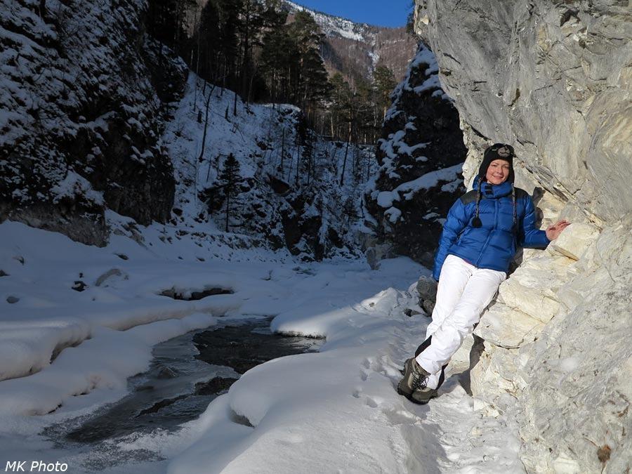 Катя в ущелье Кынгарги
