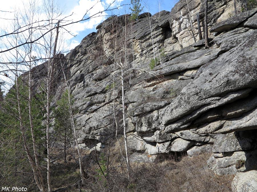 Стена скальника