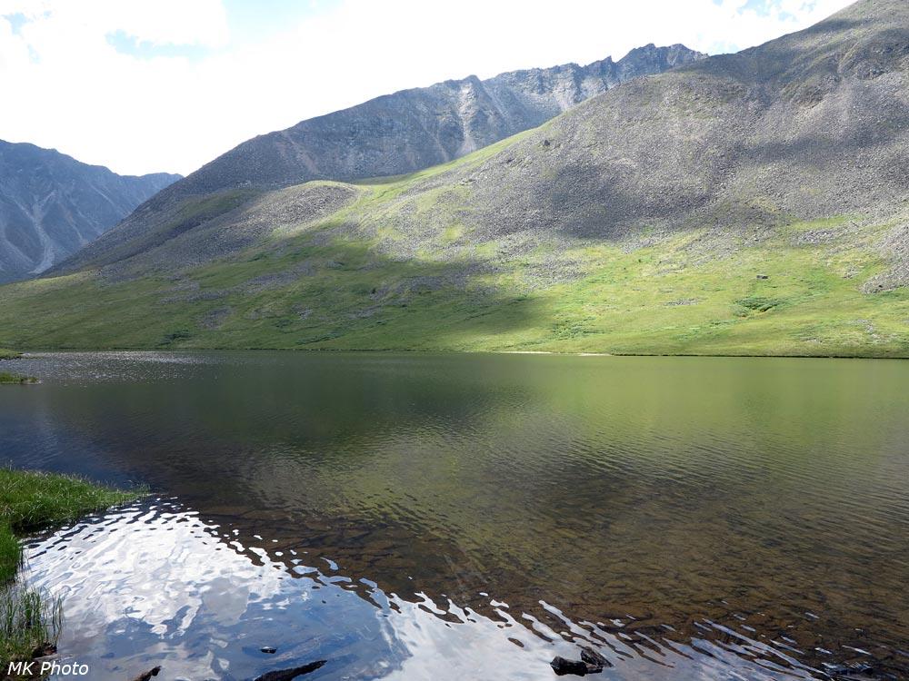 Нижнее озеро в истоке Ихе-Ухгуни