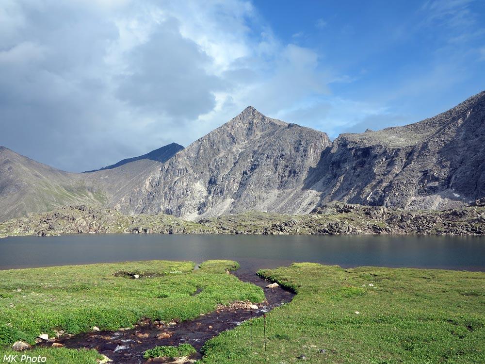 Озеро над долиной Ара-Ошея