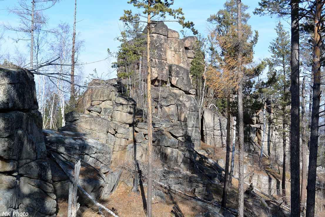 Безымянный скальник на водоразделе