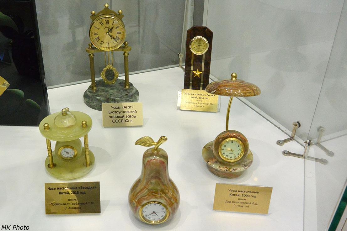 Часы из поделочных камней