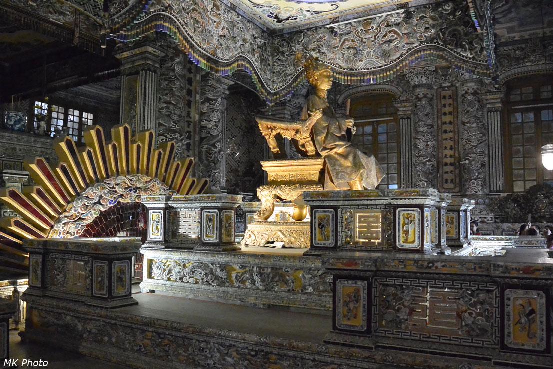 Внутреннее убранство гробницы