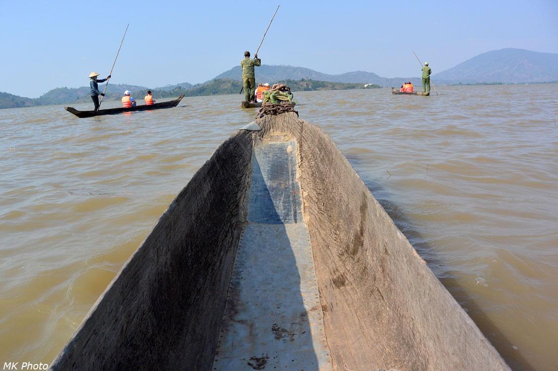 На лодках по озеру