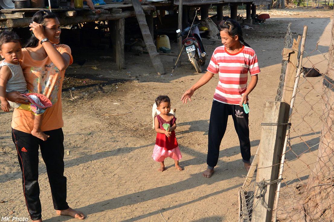 Мнонги ходят босиком