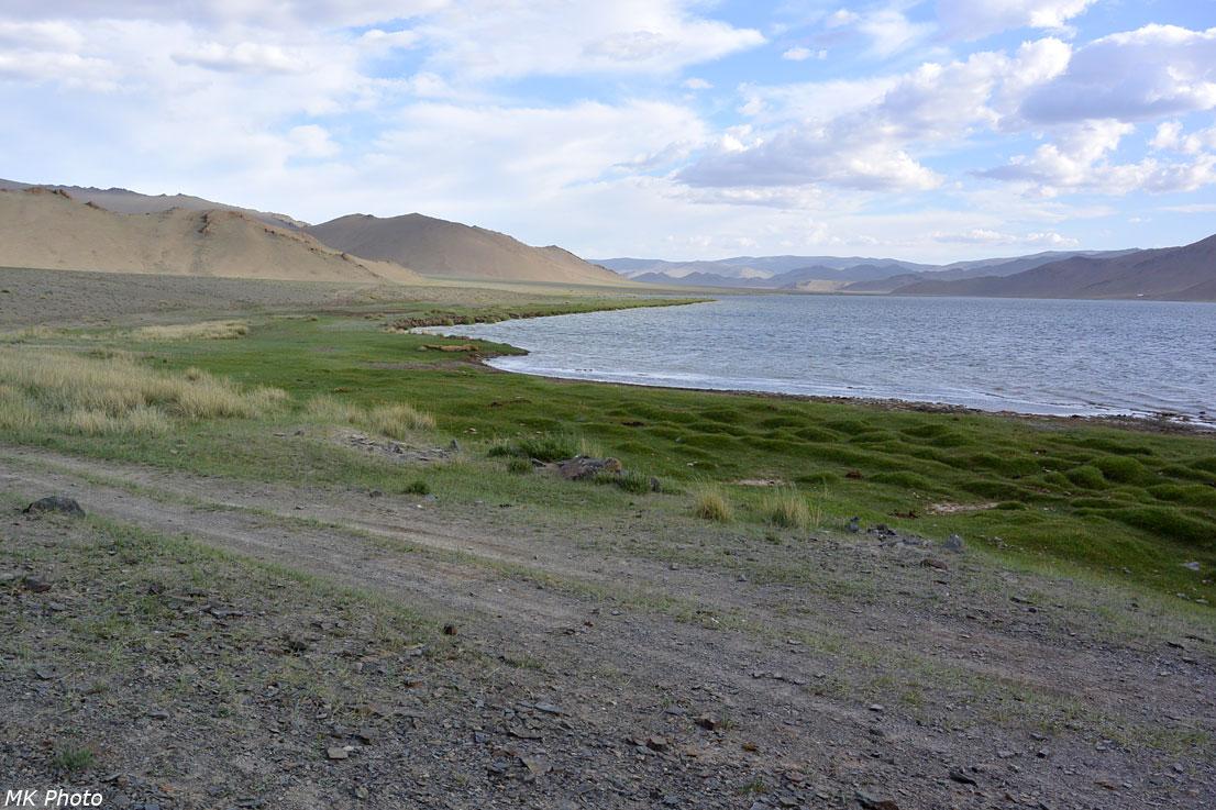 Восточный берег Дунд-Нура