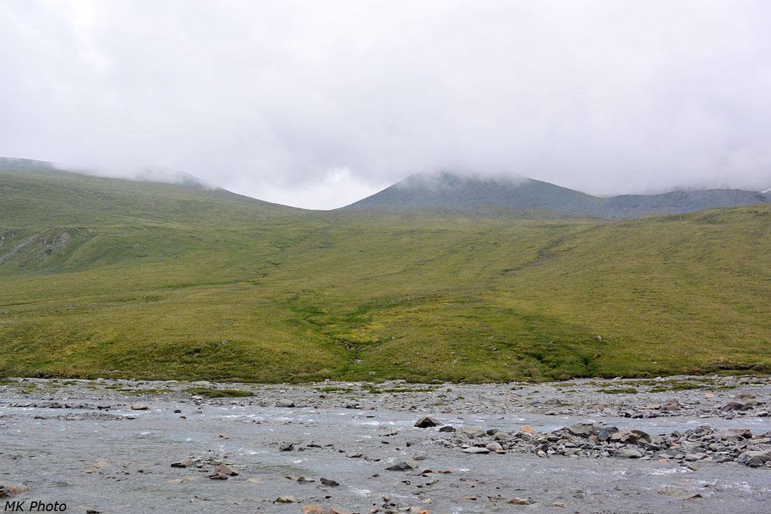 Вид на перевал Сулу-Боч из долины Текелю