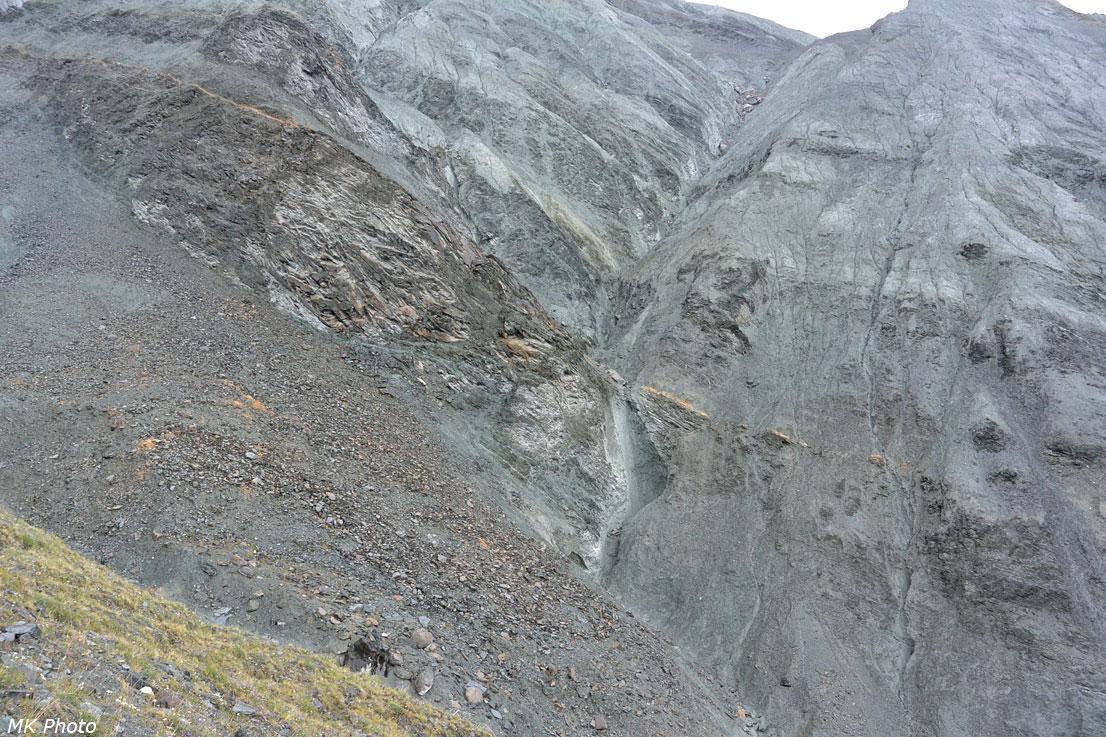 Сыпучие склоны верховий Ярлу