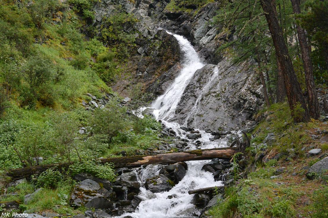 Водопад Высотник