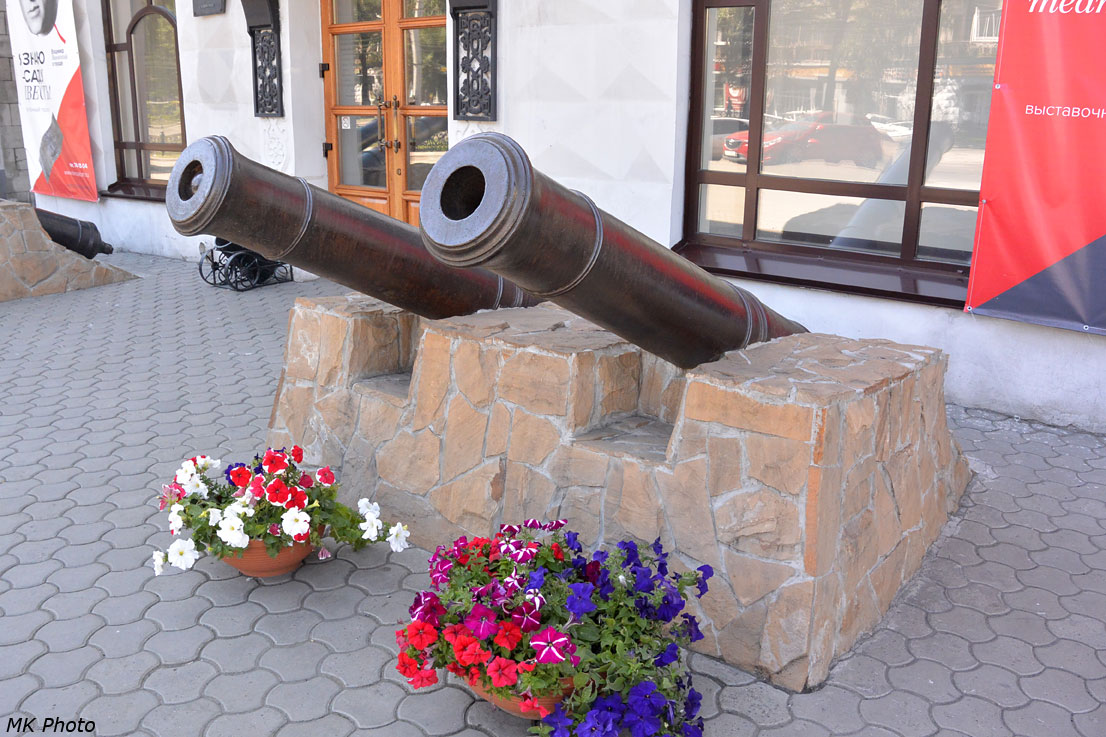 Пушки из Кузнецкой крепости