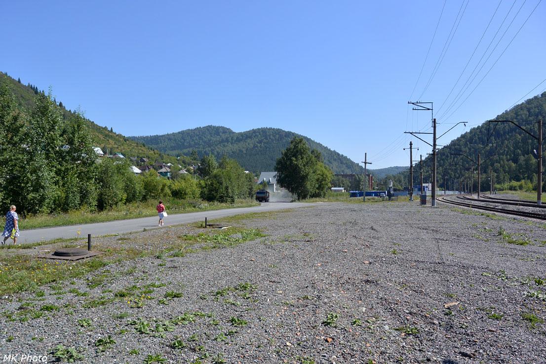 Вид в сторону конца линии вверх по долине Кондомы