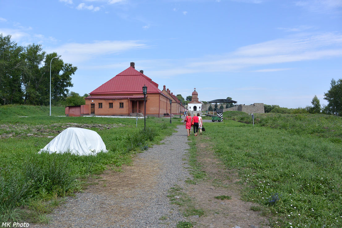 Вид вдоль крепости