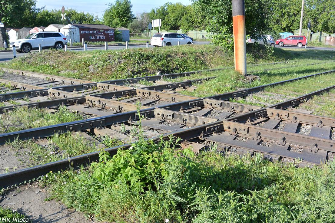 Глухое пересечение трамвайных путей с железнодорожным