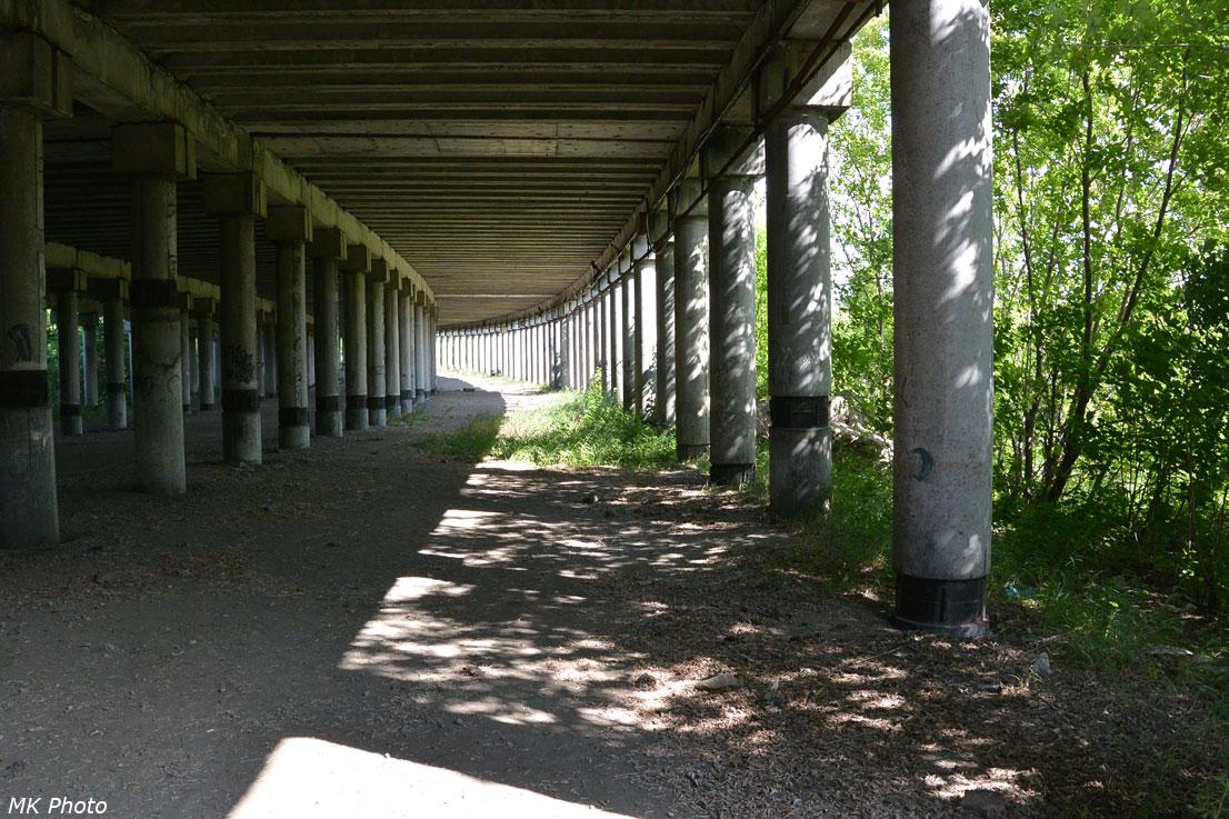 Под эстакадой Октябрьского моста