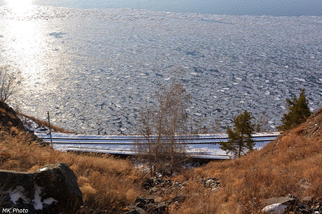 Смёрзшиеся льдины