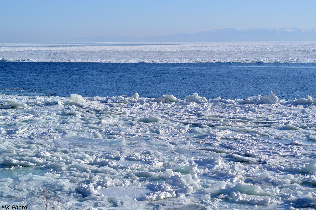 Байкал замерзает