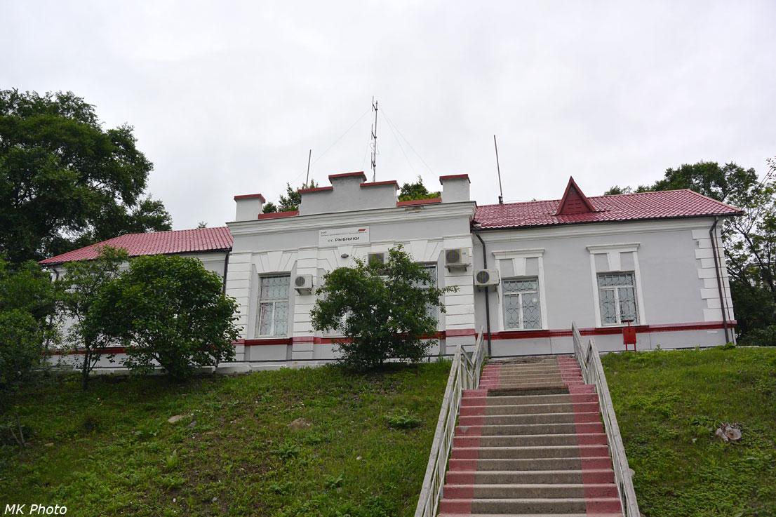Служебное здание Рыбники