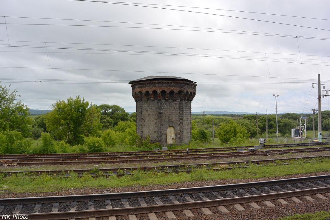 Остатки водонапорной башни на ст. Раздольное