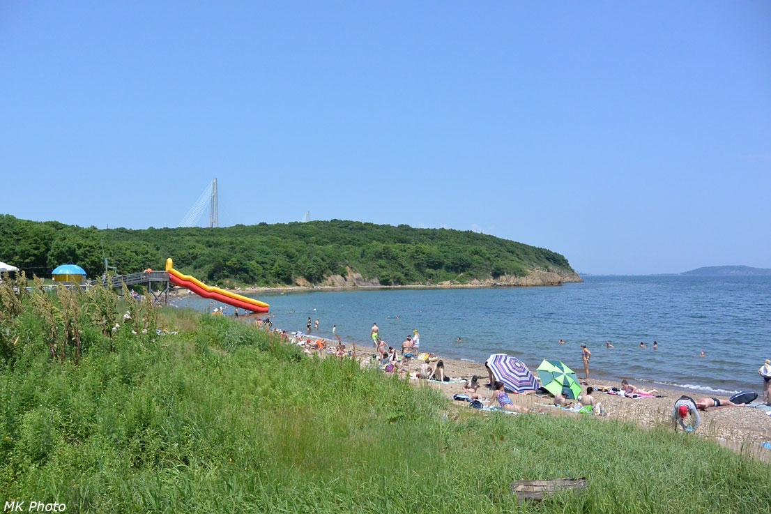 Пляж на о. Русский