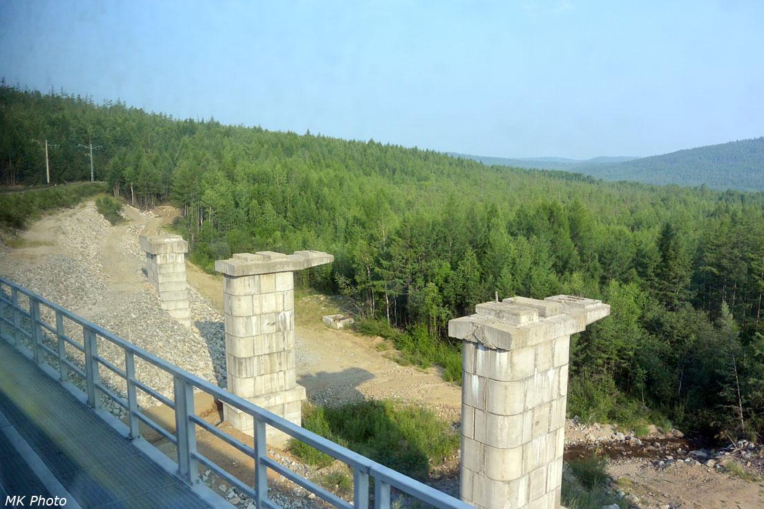 Опоры моста под второй путь