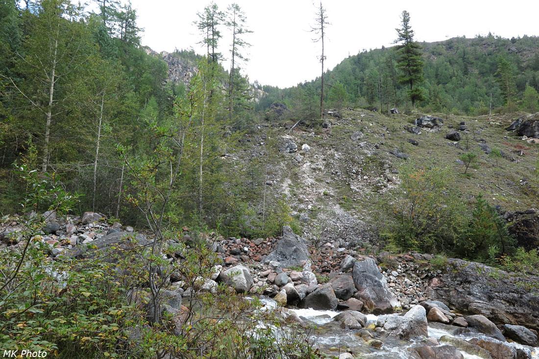 Вид на седловину перевала
