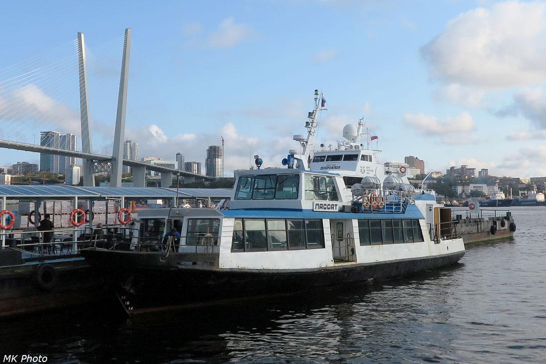 Прогулочный корабль