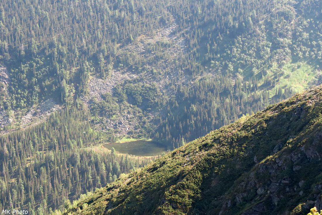 Озеро в истоке руч. Иркут